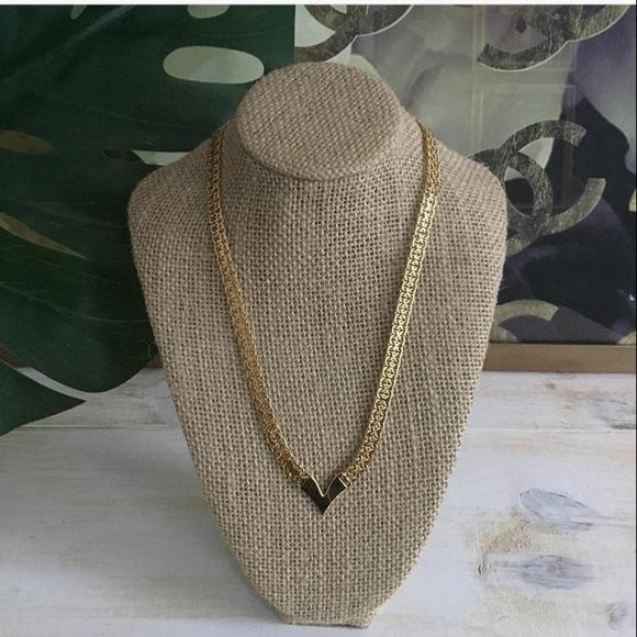 Napier Gold Tone Link Necklace~16 Collar Necklace~V Links